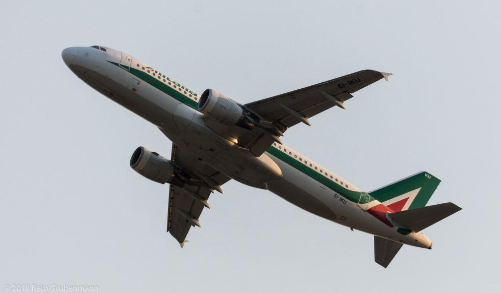 Alitalia_A320_EI-IKU_ZRH180807