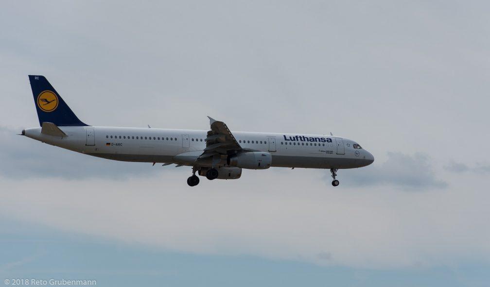 Lufthansa_A321_D-AIRC_ZRH180811