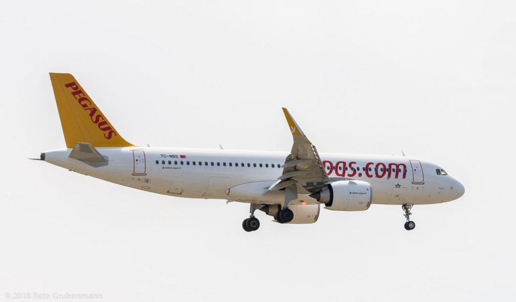 PegasusAirlines_A20N_TC-NBS_ZRH180811