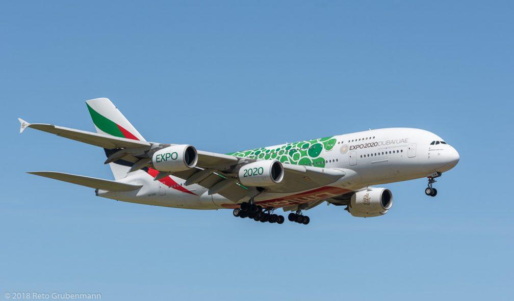 Emirates_A388_A6-EEW_ZRH180812_02