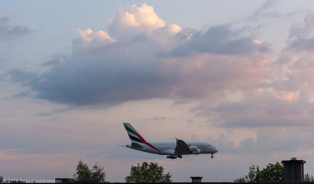 Emirates_A388_A6-EOZ_ZRH180818