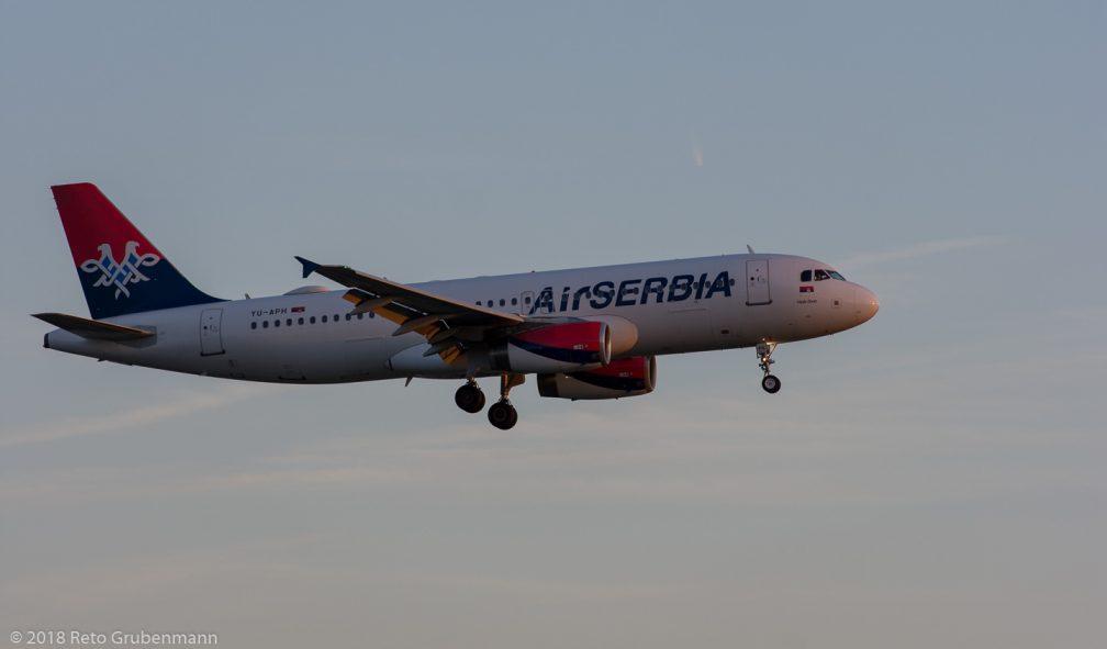 AirSERBIA_A320_YU-APH_ZRH180826