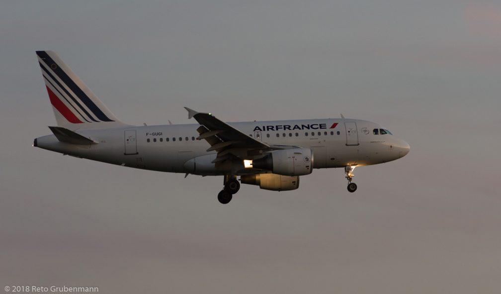 AirFrance_A318_F-GUGI_ZRH180909