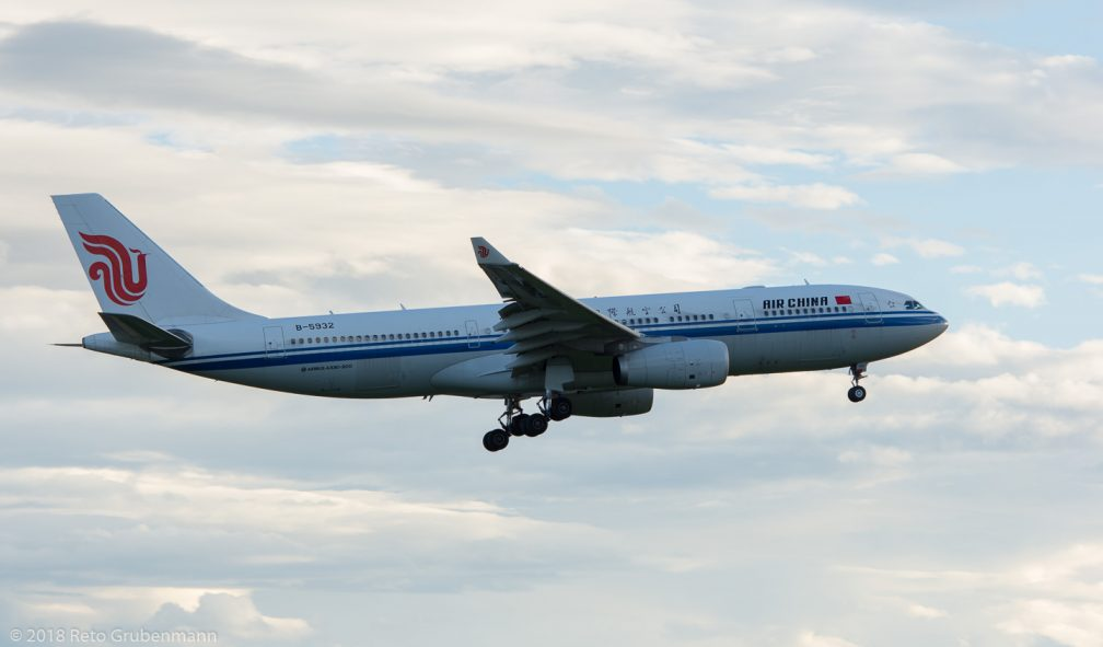 AirChina_A332_B-5932_ZRH180923