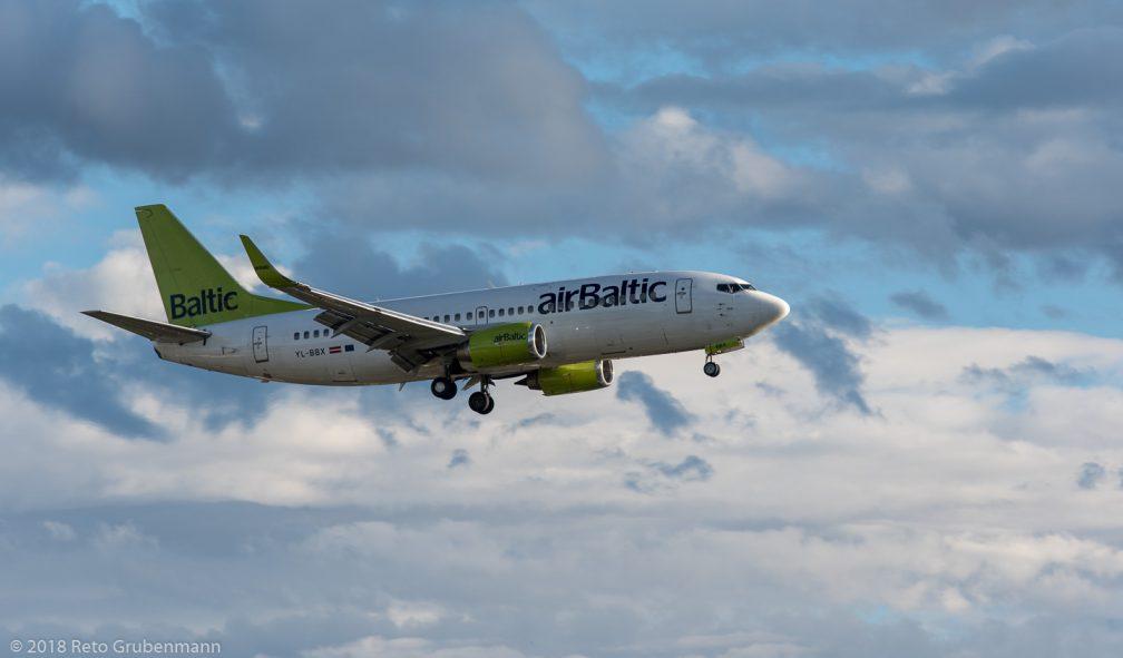 airBaltic_B733_YL-BBX_ZRH180923
