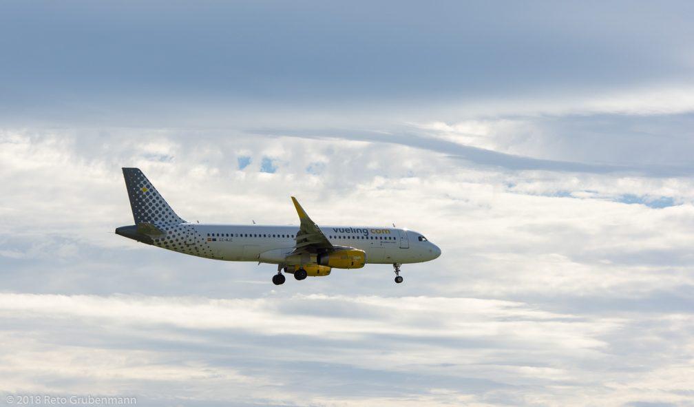 vueling_A320_EC-MJC_ZRH180923