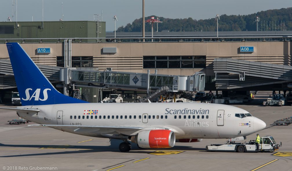 ScandinavianAirlines_B736_LN-RPG_ZRH180926