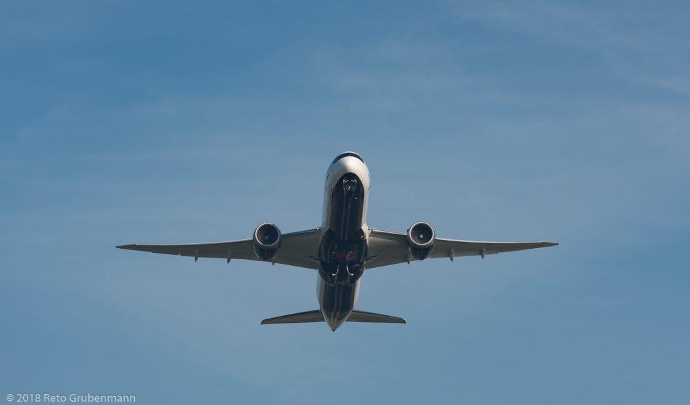 AirCanada_B789_C-FVLQ_ZRH181017_01