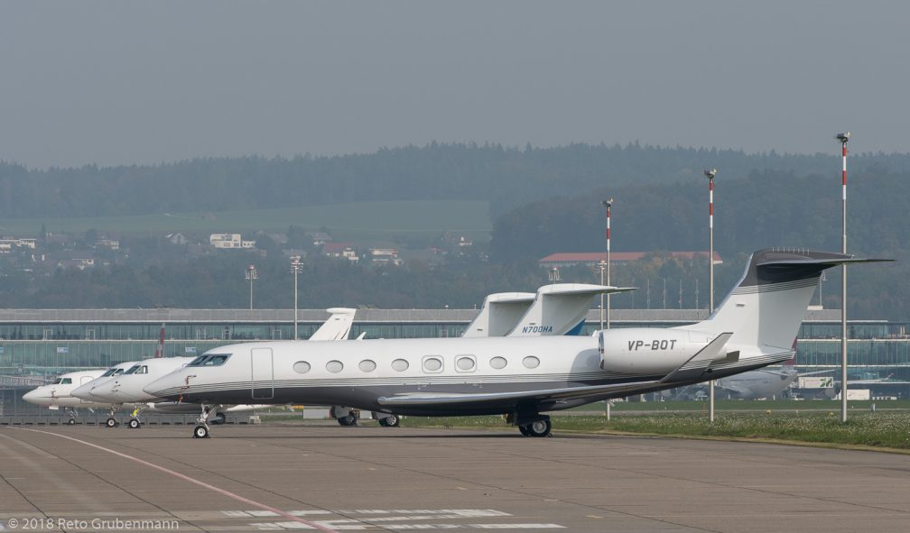 JetAviationBusinessJets_VP-BOT_LinueUp_Sector9_ZRH181018