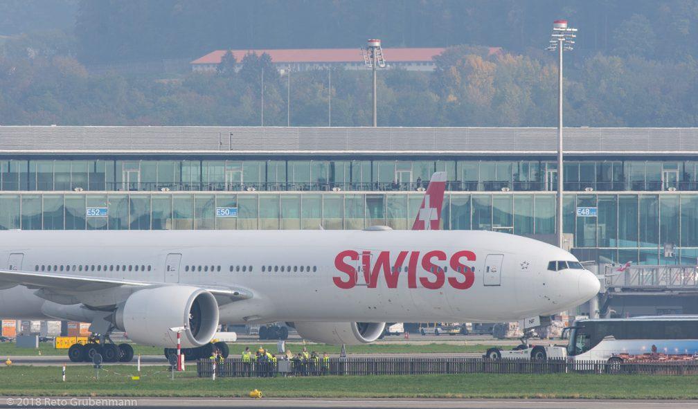 Swiss_B77W_HB-JNF_ZRH181018