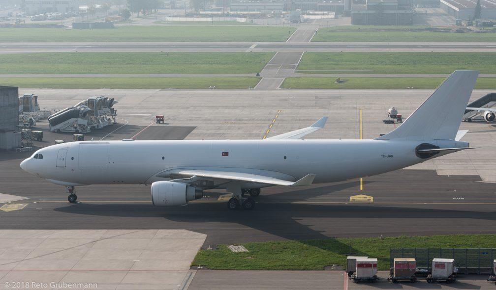 TurkishCargo_A332_TC-JOO_ZRH181020
