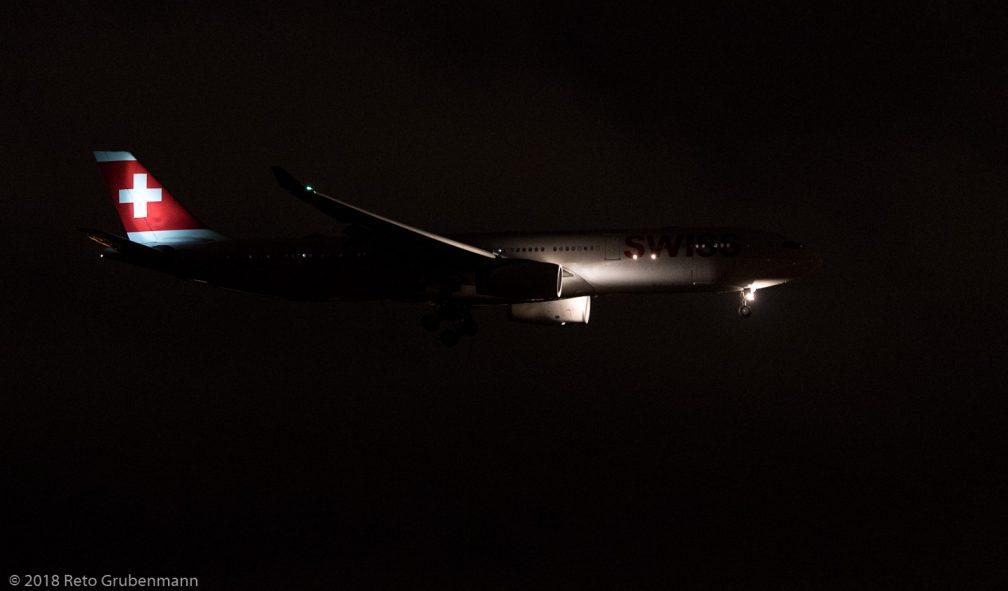 Swiss_A333_HB-JHE_ZRH181030