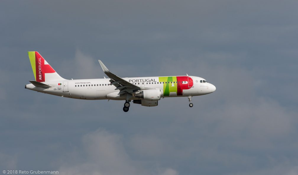 TAPPortugal_A320_CS-TNT_ZRH181111