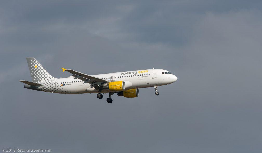 vueling_A320_EC-MVO_ZRH181111_01