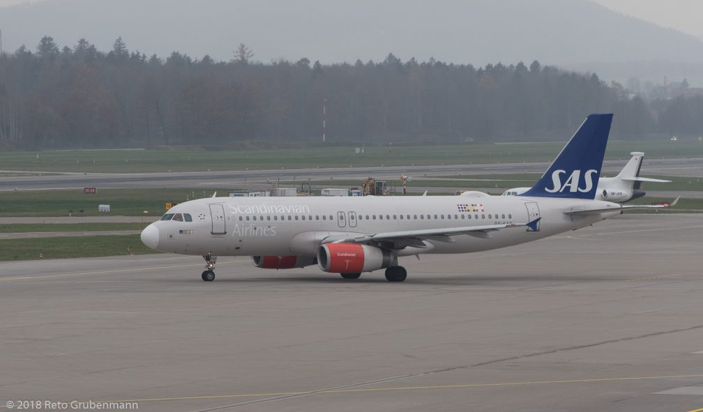 ScandinavianAirlines_A320_OY-KAO_ZRH181119