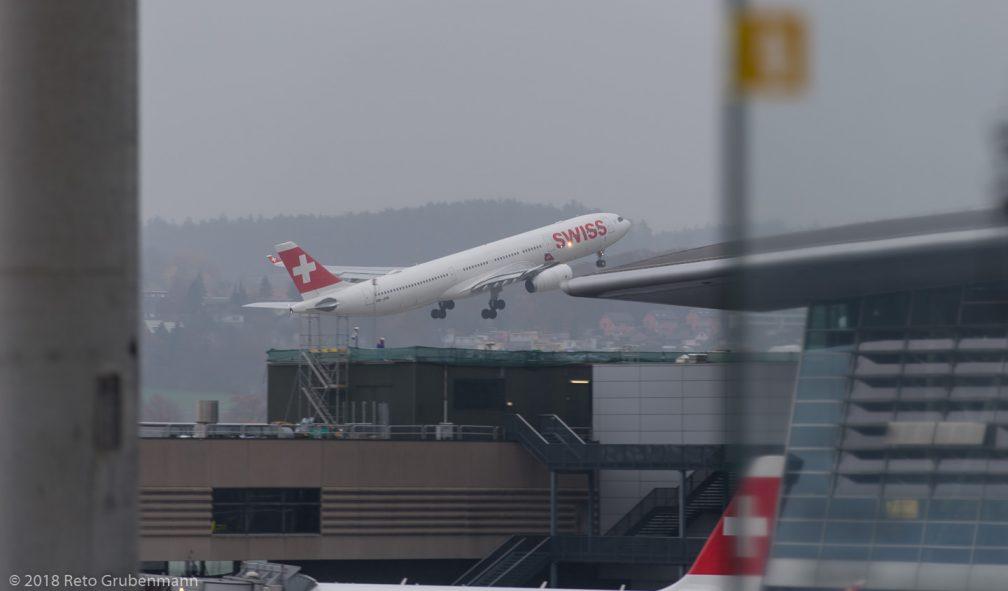 Swiss_A333_HB-JHN_ZRH181119