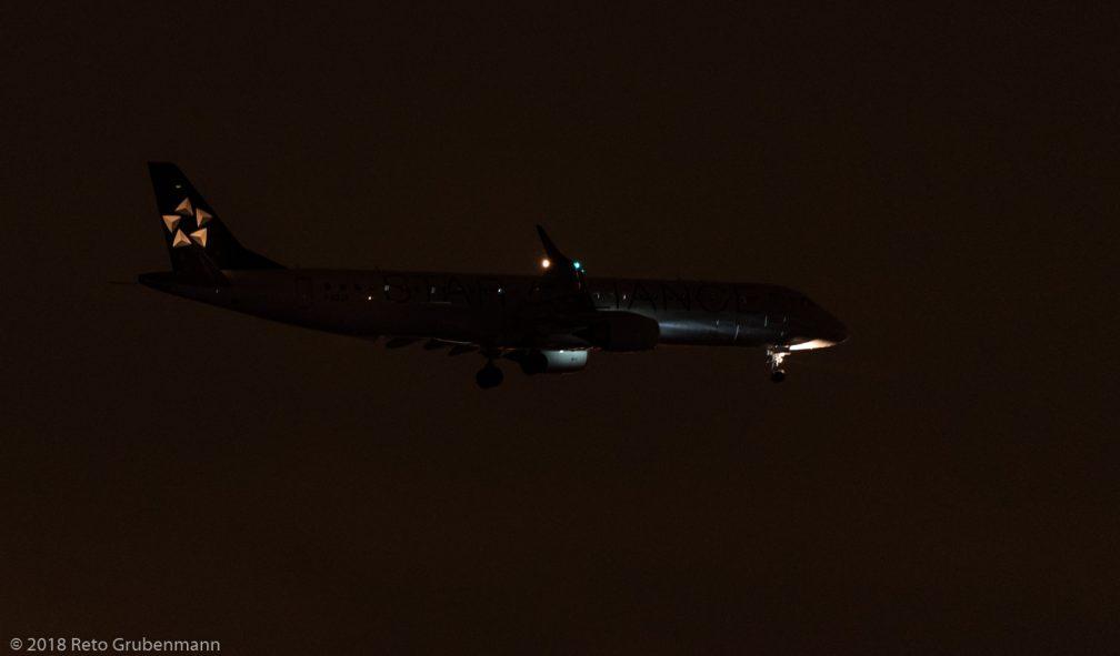 AirDolomiti_E190_I-ADJV_ZRH181208