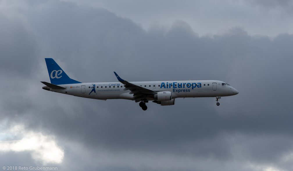 AirEuropa_E190_EC-KRJ_ZRH181208