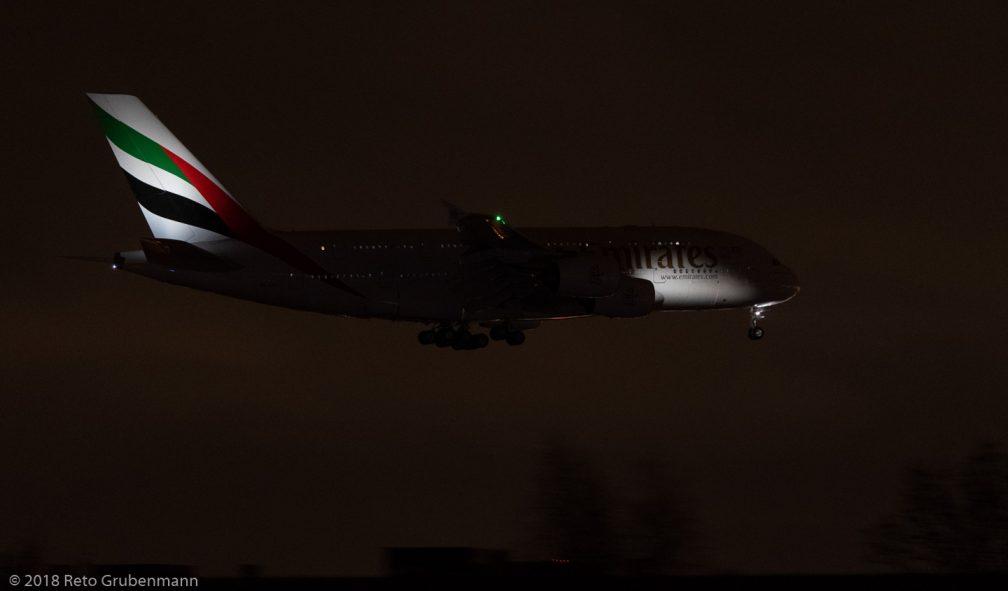 Emirates_A388_A6-EDC_ZRH181208