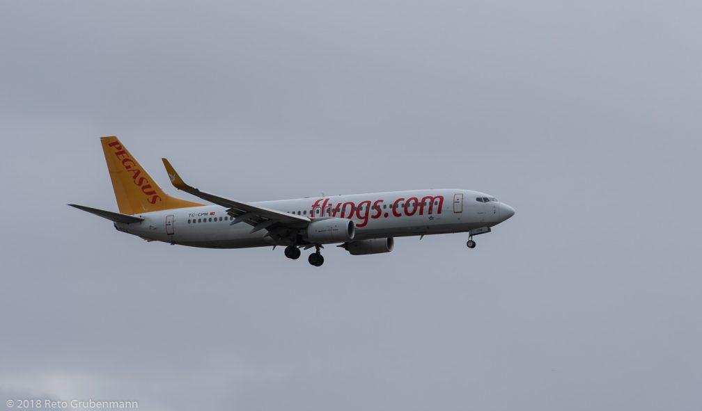 PegasusAirlines_B738_TC-CPM_ZRH181208