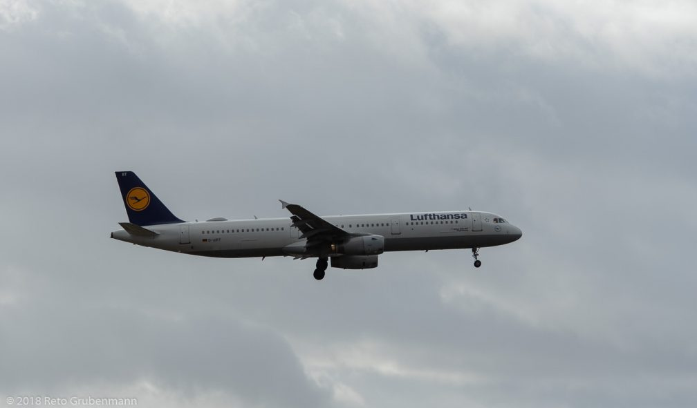 Lufthansa_A321_D-AIRT_ZRH181209