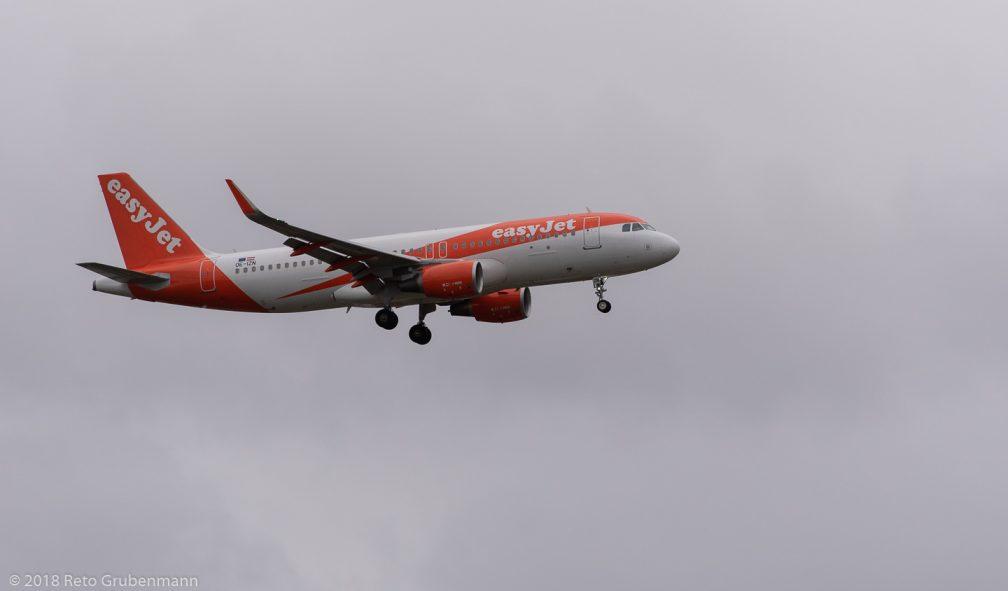 easyJetEurope_A320_OE-IZN_ZRH181209