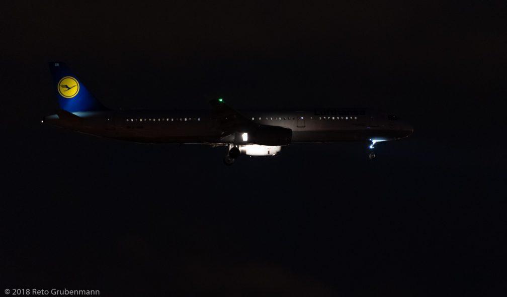 Lufthansa_A321_D-AISR_ZRH181222