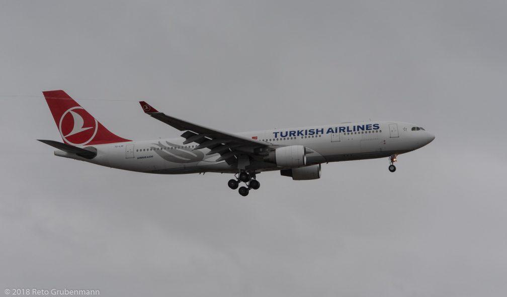 TurkishAirlines_A332_TC-LOI_ZRH181222
